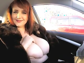 Chap-fallen BBW Katrin Porto here fur coat shows her hairy cunt outdoor