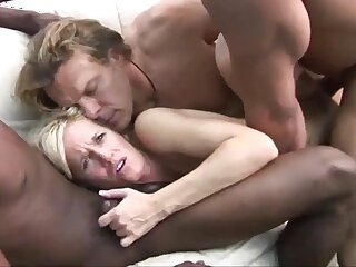 Fair-haired milf amateur enjoys trying her first gangbang