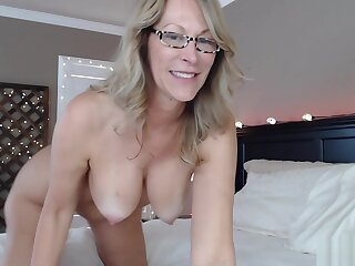Slut Milf Fucks Ass On Obey Webcam Fake