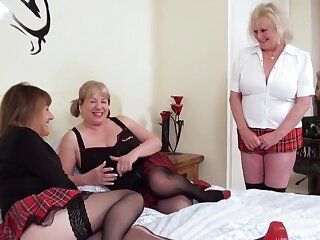 Threesome adult lesbians and sextoys gender wet pussies