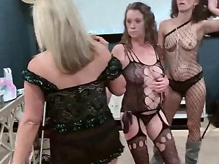 Non-professional swingers with reference to sexy lingerie taking cock