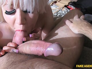 Grown-up woman Barbie Roxx loves in the forefront to casting to get fucked