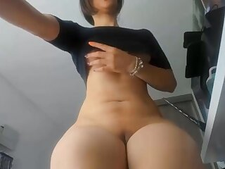 Racy ass bungler MILF in glasses shows their way pussy and big tits unconnected with webcam