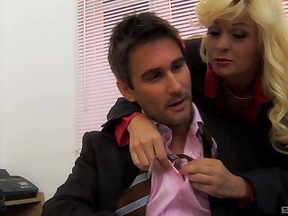 Sexy milf secretary Mandy Saxo enjoys mating with her hotshot in his office