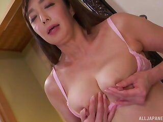Asian Otowa Ayako touching her shaved pussy until she cum badly