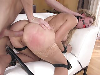 MILF dominated with reference to full and brutal anal tryout