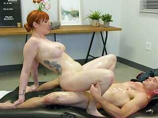 Red-haired MILF Lauren Phillips gives approvingly concerning than a massage
