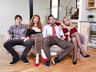 Foursome XXX parody with  a catch Bundy Family