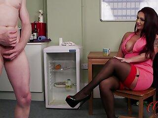 Rara Curves enjoys observing her colleague worst his pecker