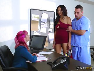 Hospital hard sex with the ebony female in scenes of intriguing XXX