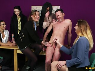 CFNM video of a dude procurement pleasured by Chantelle Fox & Emma Louisee