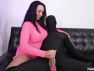 Aroused mature plays with the big locate in kinky cam fetish