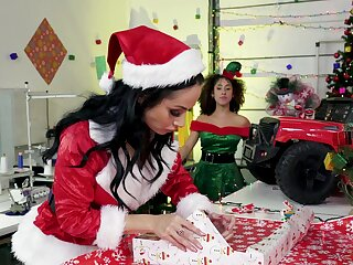 Christmas special leads Santa to original sex moments